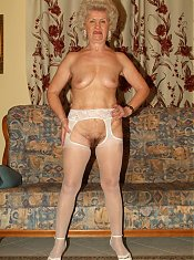 Grandmas Francesca and Erlene got together to strip off their clothes and put up a lesbian scene