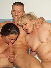 Matures Elizabeth and Julianna take turns in getting their mouths and cunts stuffed with a cock
